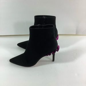 Betsey Johnson toma ankle boots